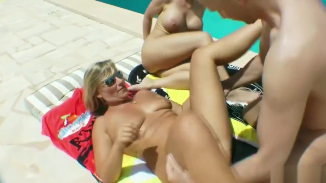 GERMAN MOTHER SUPRISED HIS HUSBAND WITH FFM THREESOME riley takes a fucking machine deep