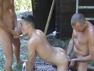 Sonne, Pool und Sex Virgin girls bleedingporn