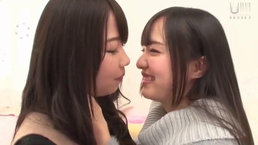 Japanese Les Kiss 4