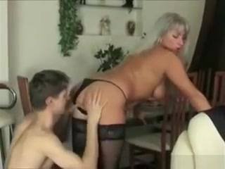 Unfaitful Cougar Wife In Action horny first time masturbator plunges deep for the ultimate orgasm