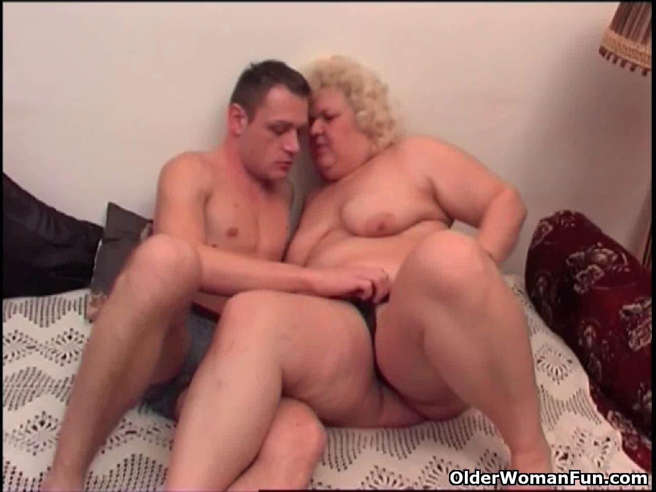 Obese granny likes to give and receive oral job enjoyment Www pc flash games download com