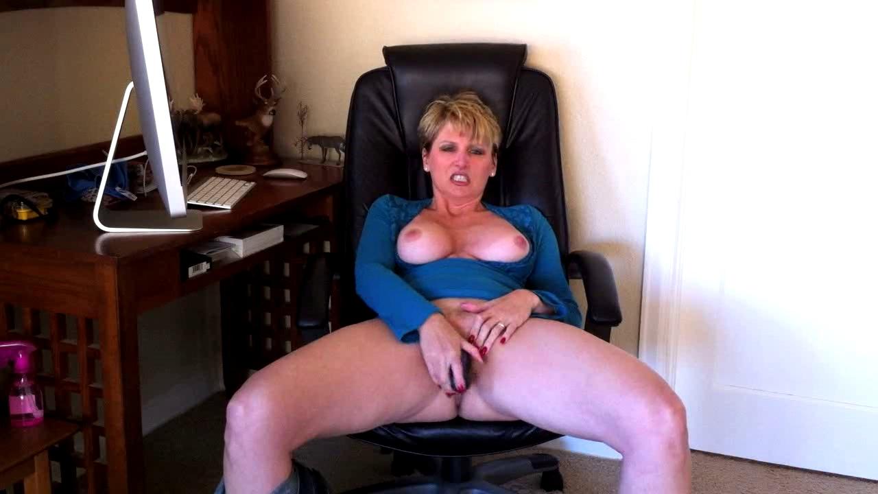 videos-mature-dirty-talking-tease-videos-nude