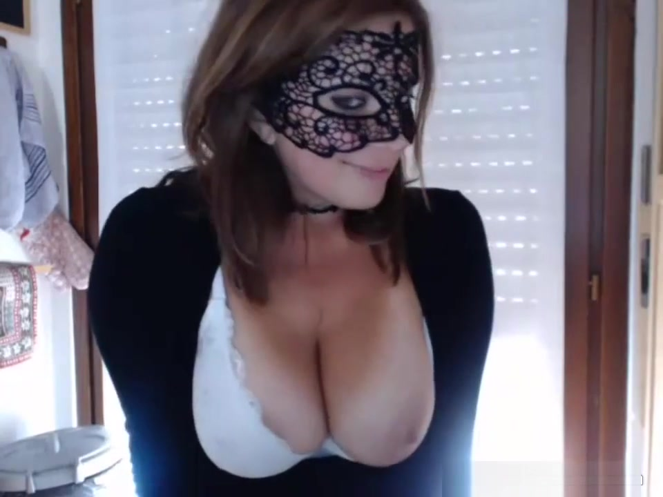 A Little Bit Of Fingering Makes This Big Boobs Masked Squirt
