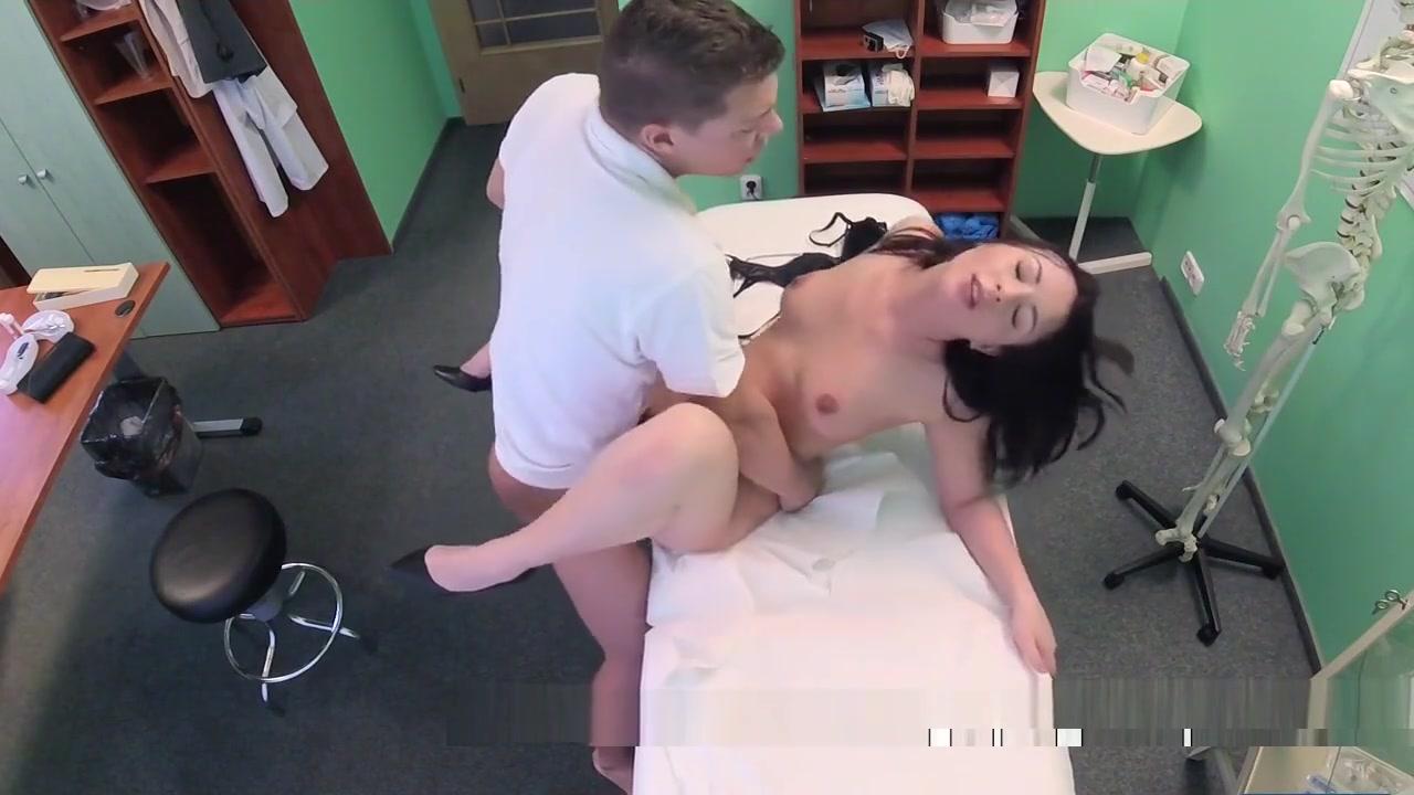 Brunette Patient Sucked Doctors Dick Tengo 24 anitos complazco todos tus fetiches o fantasias