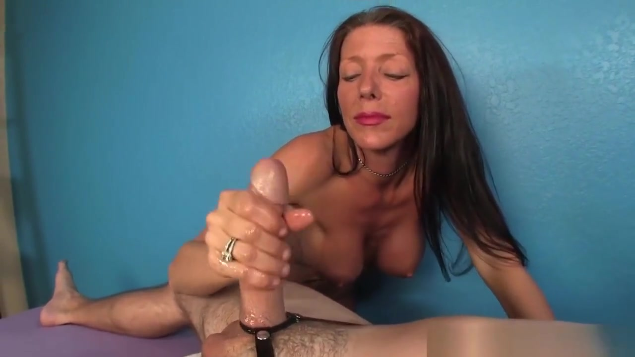 Milf Masseuse Tugs Dick With Hands And Tits desi maa sex video