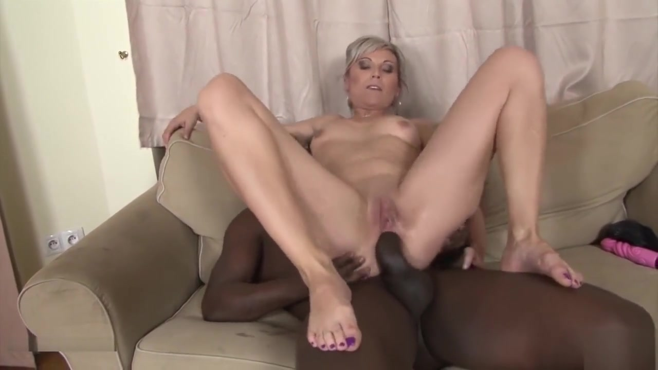 Black And White - Bbc Cum Drinking Slut Likes Big Black Cock Hookup a single dad what it's really like