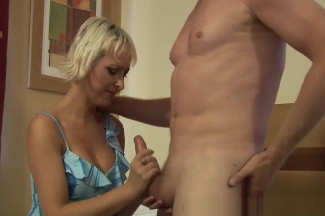 Cfnm Milf Sucks And Tugs Danish sexy mature ass play 1