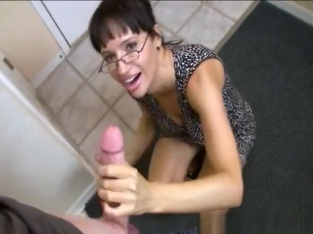 Cum Milf Wanks Dick Until Drenched With Cum recherche sites voyeur decul