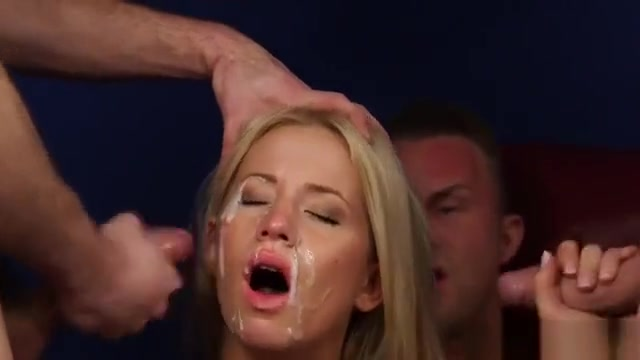 Spicy Bombshell Gets Sperm Shot On Her Face Eating All The C