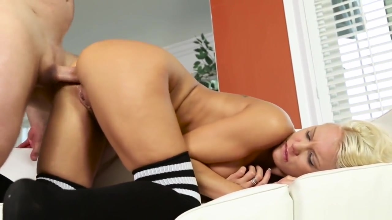 Anally Fucked Pornstar Gets Pounded