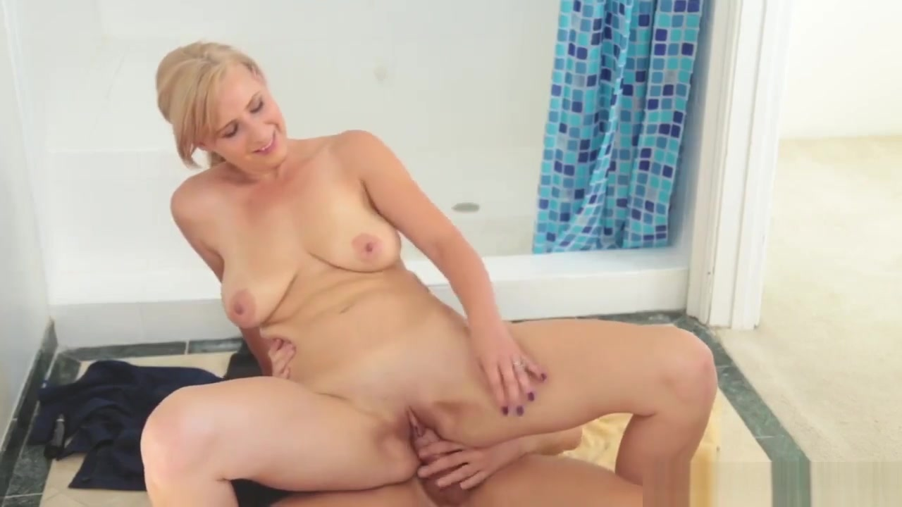 Slim Brunette Milf Anal Step Into My Shower Bbw skyy black in the middle