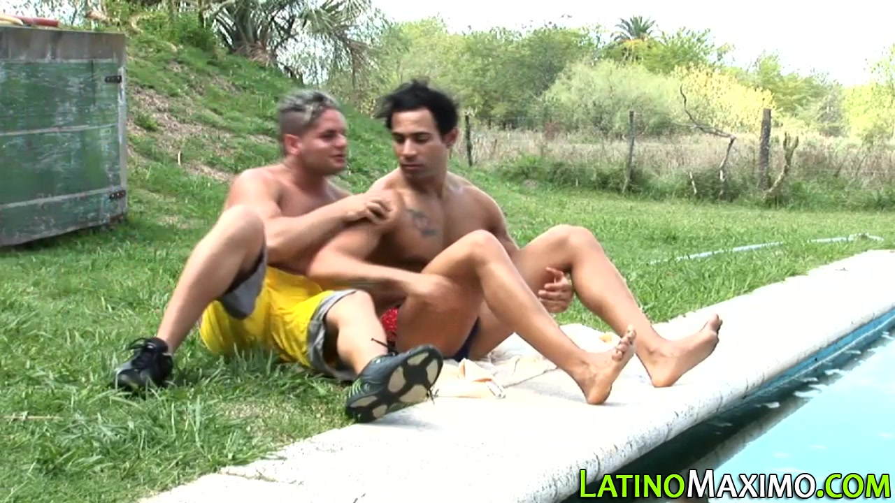 Latin hunk gobbles cock Teen beach movie upskirt