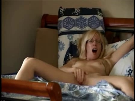 mommy showing off Lesbo goddess use two foot serf angels