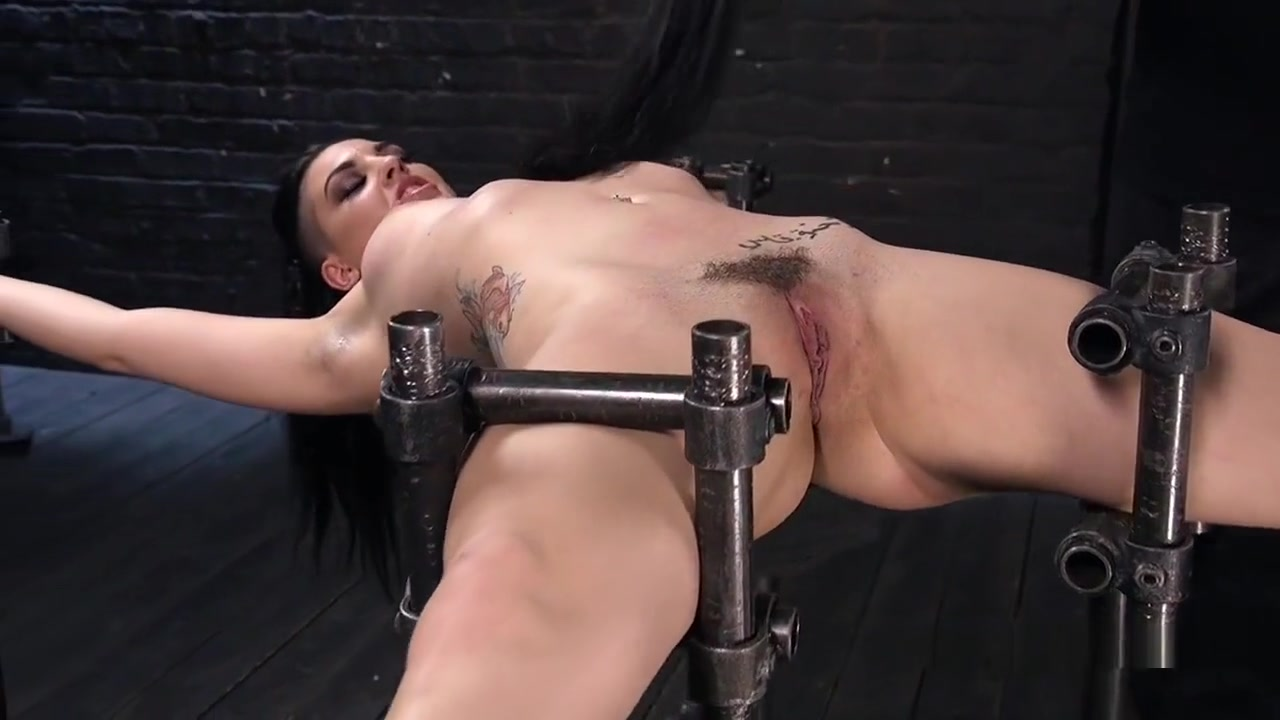 Slave Fingered And Toyed Squirts In Bondage Girl makes video of different sex partners