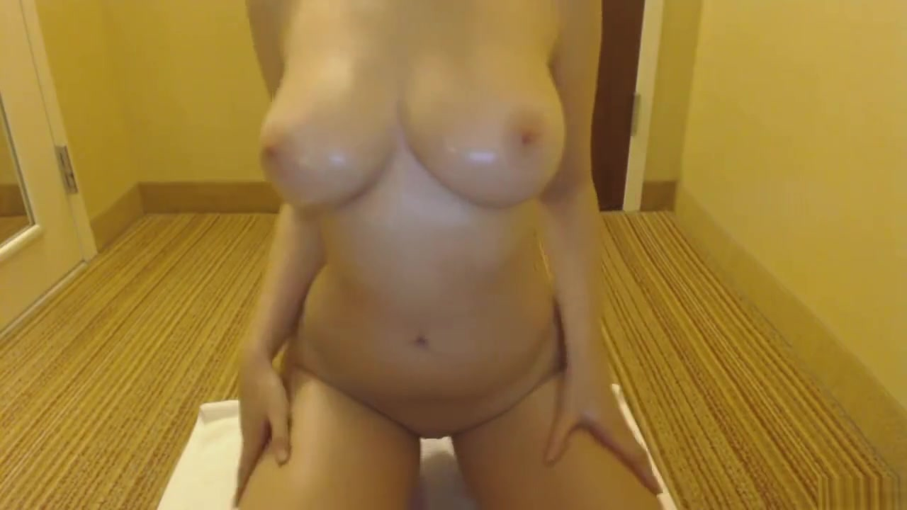 oli slick Busty pam hot bathroom pleasures