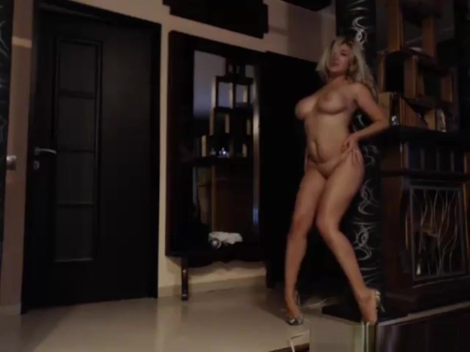 Milf Performing Her Live Webcam Sex Show Japan big tits naked