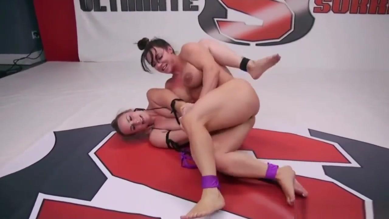 Catfight With Bella Rossi And Brandi Mae Ebony painful fuck pic
