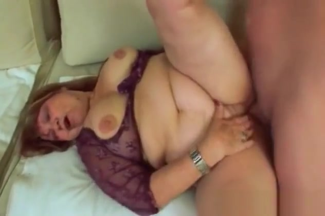 Fat Old Lady Dominika Takes Big Dong On Couch Black women sexy horny cunts photos
