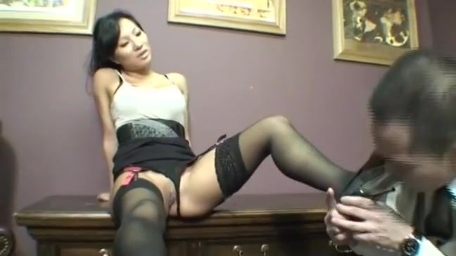 Hot Asian assistant seduces her coworker
