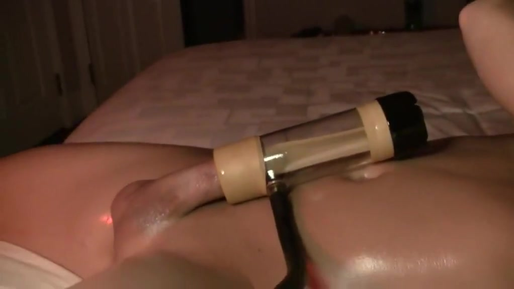 First time using Venus 2000 sex machine hoe to make a girl squirt