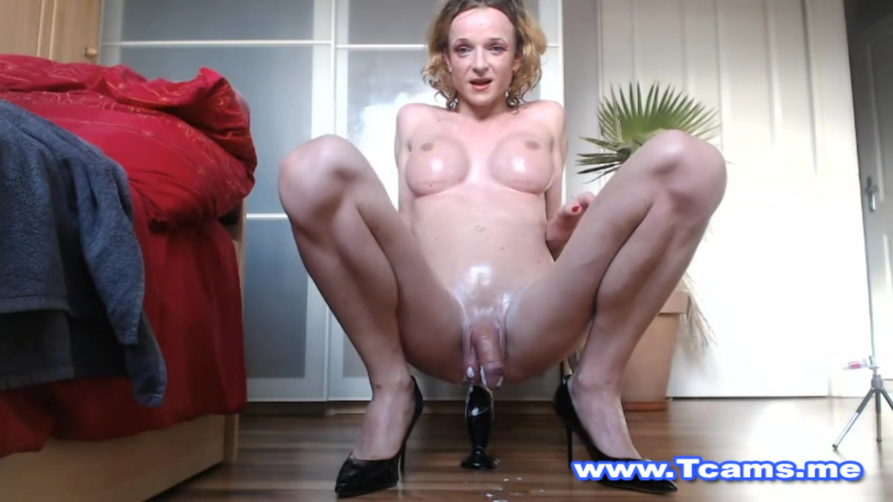 Wet Shemale on Nasty Ass Plug Playing Amature house wife porn
