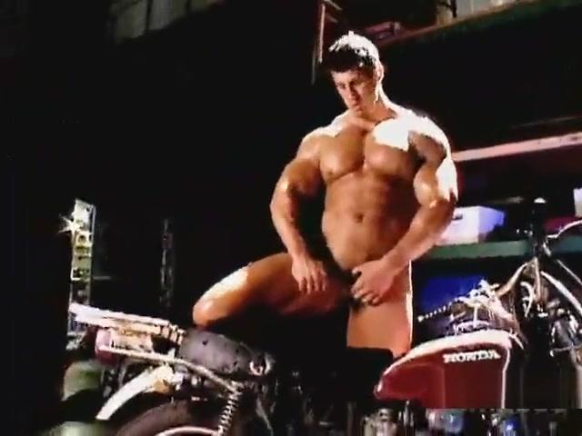 Zeb Atlas Muscle Worship naked at bowling pics