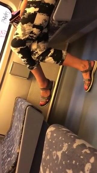 Granny feet polish