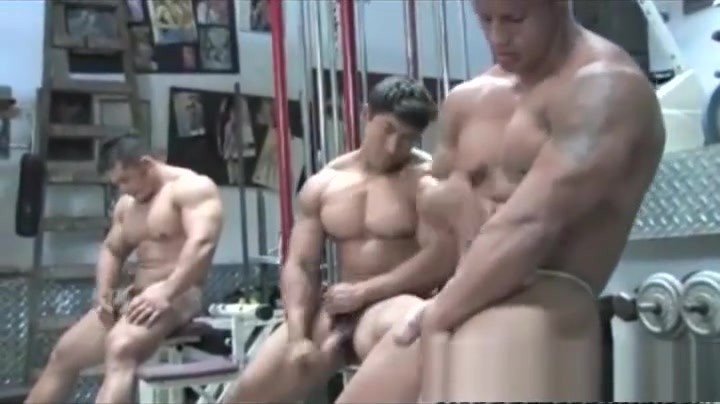 Musclemen Tight panties on pussy