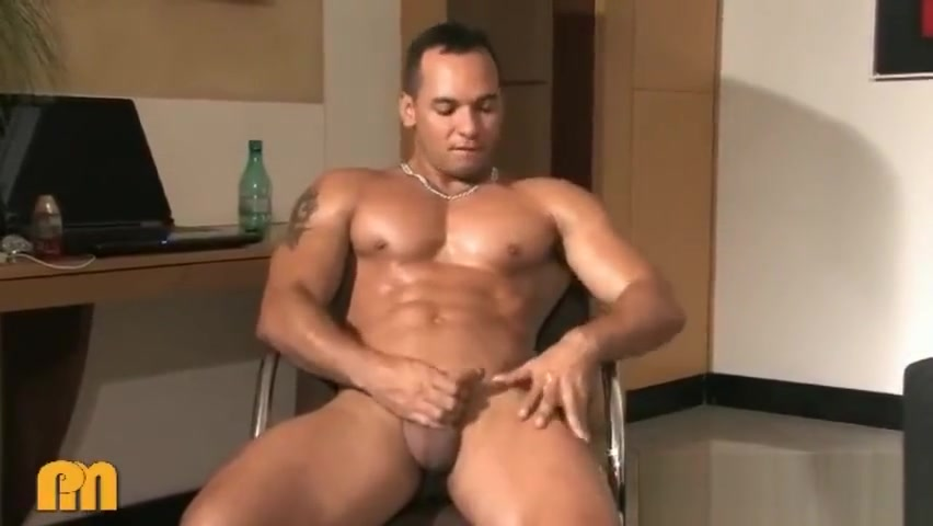 Brazils Muscle Claudio! The Stud Boy! Wow! Teen down shirt girl