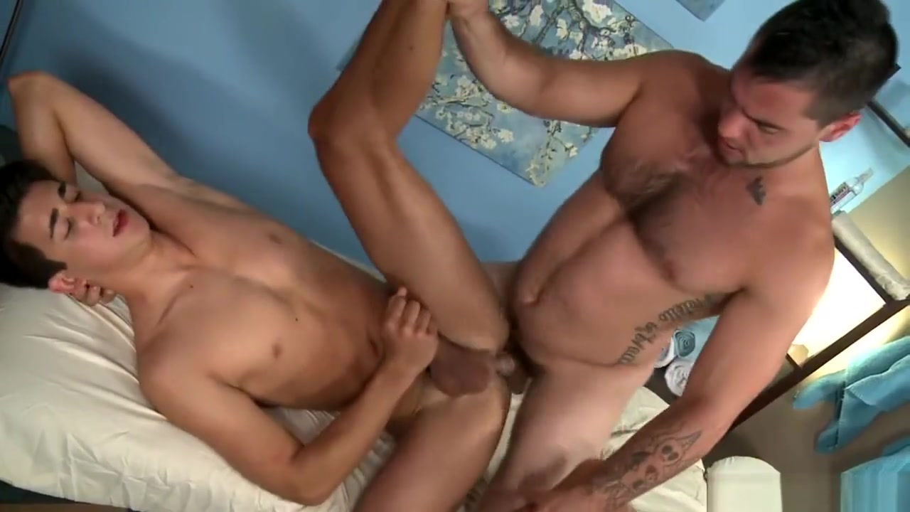 Aspen & Nate Long Sexy strong nudes dominate men