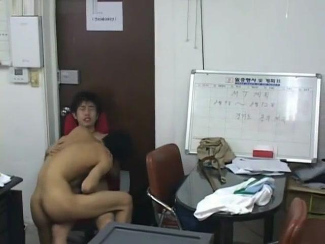 korea3 Erotic wife public humiliation