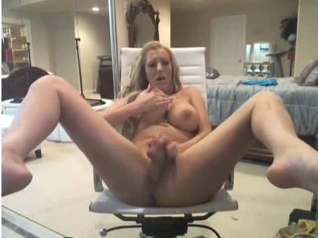 Nailing cunt with my favorite dildo