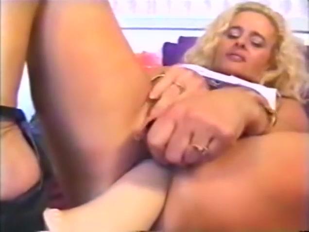 Peehole Play Sexy girl big boobs porn