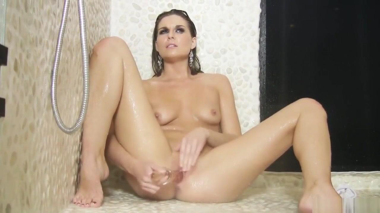 Adrienne Manning Beauty Solo in Shower British bukkake slut
