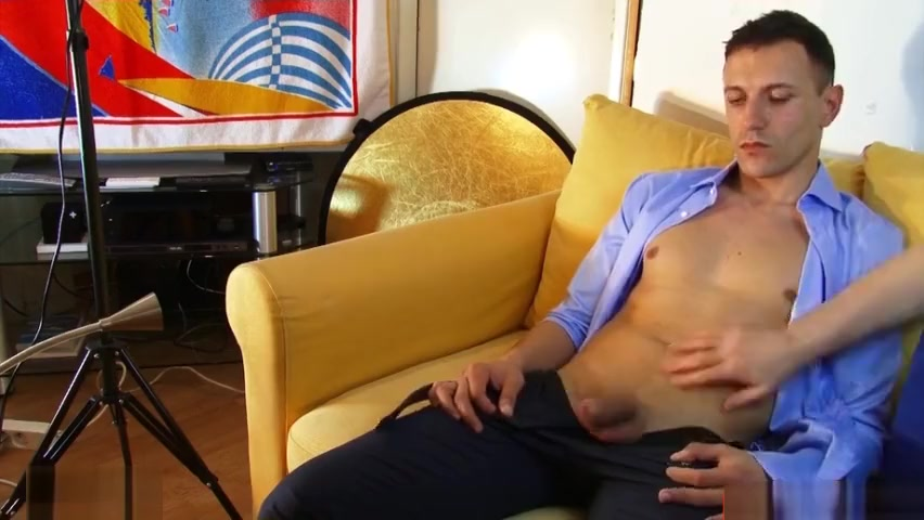 Woow! Salesman gets wanked his big cock in a gay porn in spite of him ! Bravo milf pussy