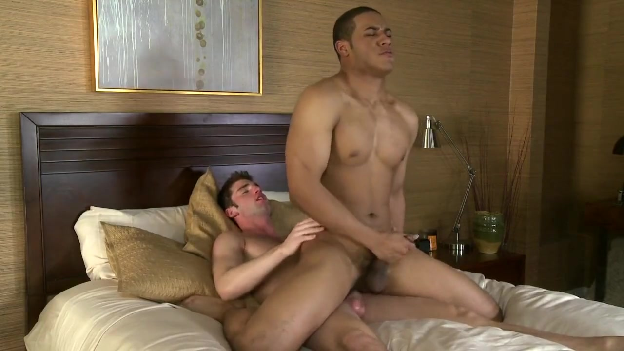 Ross Reed & Cody Lake big dick bi couple threesome