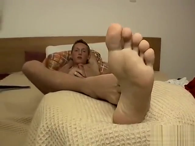Sexy Cute Teen With Hot Feet videos porno de dibujos