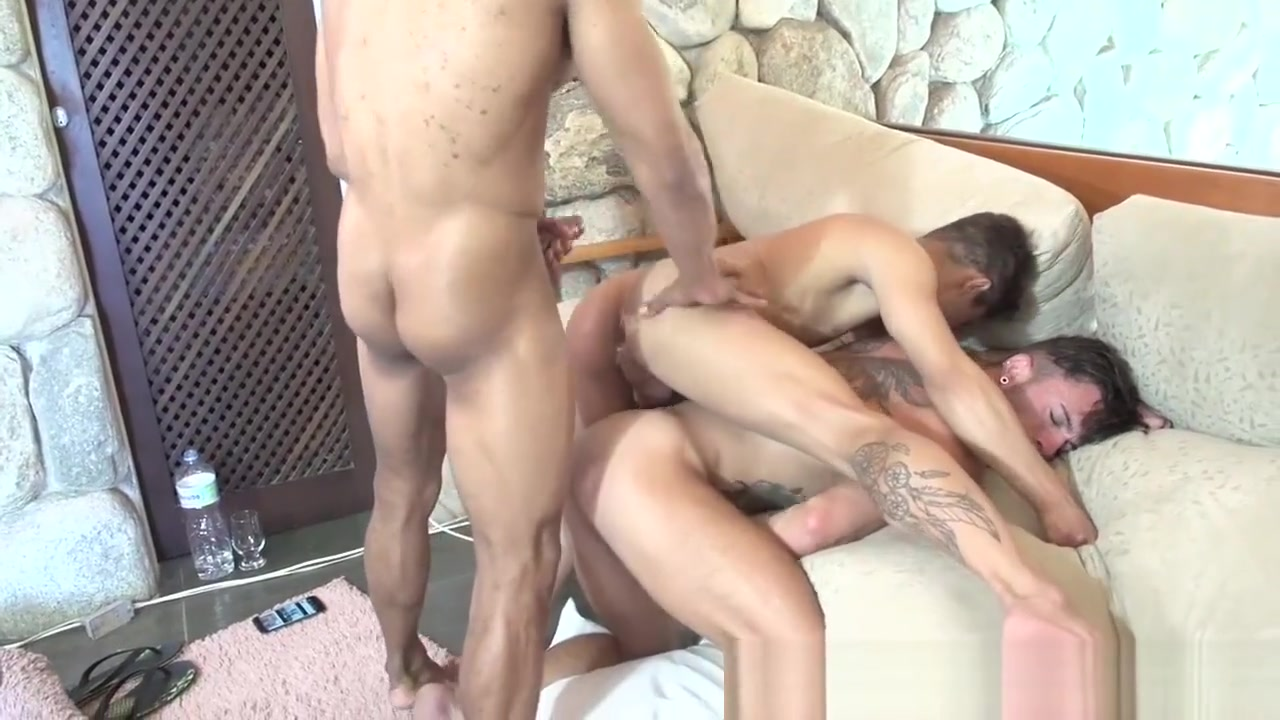 Rodrigo, Andy Star & Fabio Rebecca hotwife interracial sex