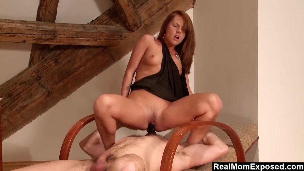 Redhead Zuzana Face Sitting Fetish