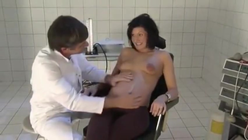 doctor and pregnant patient pics if naked ppl
