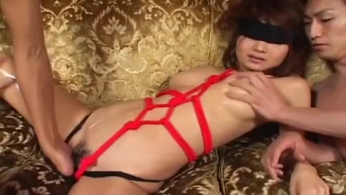 Hot Asian chick bounded and felt out