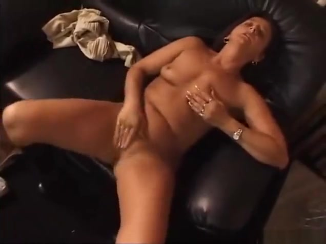 Hot Mature masturbate Blow my dick