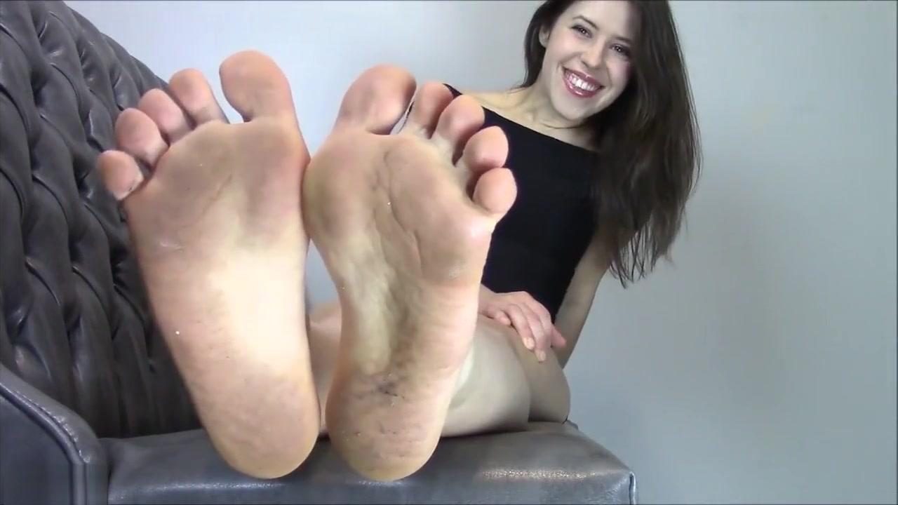 Miss Melissas sexy socks and feet Cock pict crossdresser