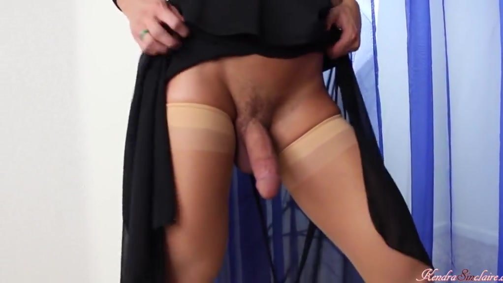 KendraTS - Headshot Big tits bruntte fucking gif