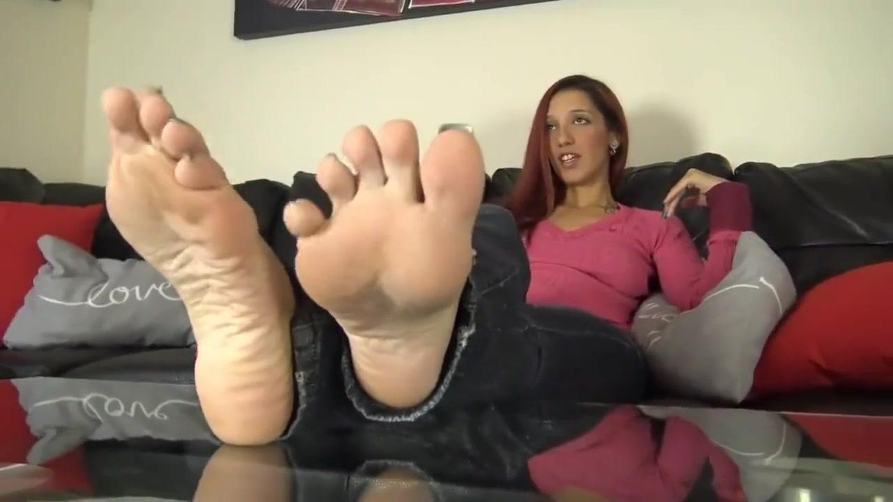 Stefania Feet Lesbian worshipping drunk friend's feet