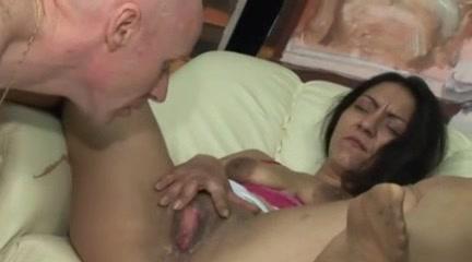 Baise et pisse avec MonikaXXX Wasnt ready for anal gif