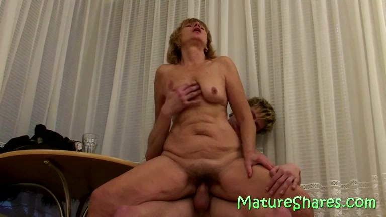 Plump Hairy Mature Pussy fucked 20 Year Girl Fuking Pussy
