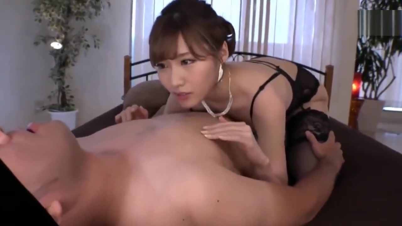 Japanese hotty tease College girls fucking pussy