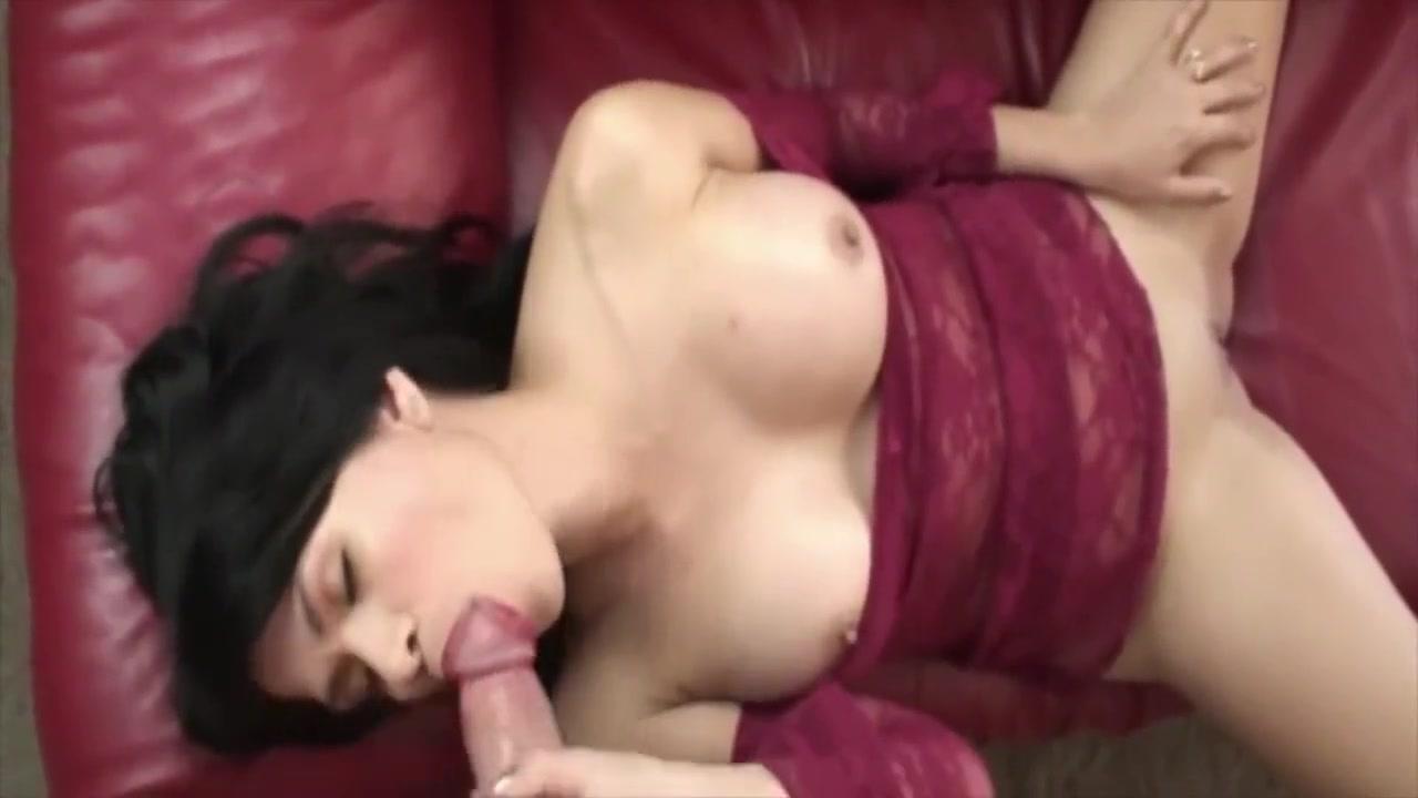 Chicas Place: Boob Blast Part 2. Garden hidden lesbian
