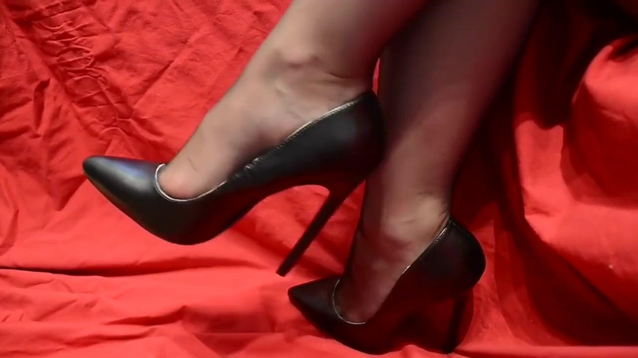 Mature Nylon Feet High Heels Shoes Free women leather fetish